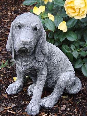 Hund bloodhound steinfigur gartenfigur frostfester for Steinfiguren garten tiere
