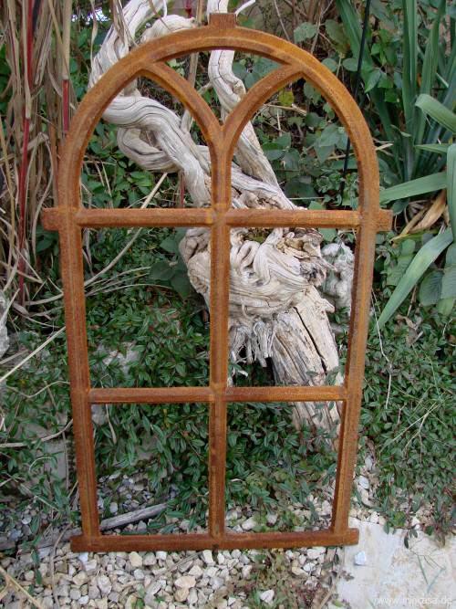 Fenster aus gusseisen rostig aus eisen for Gartendeko gusseisen