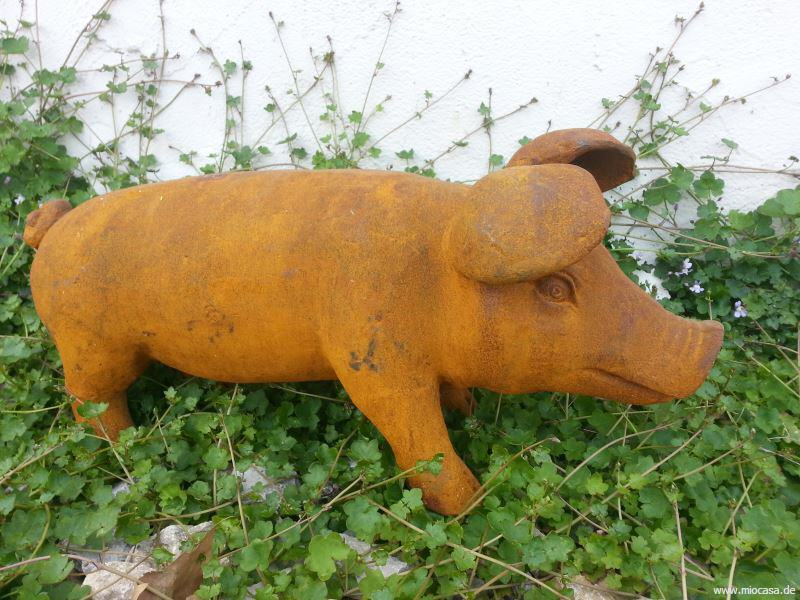 Schwein aus gusseisen m edelrost eisenschwein for Rostiges eisen im garten